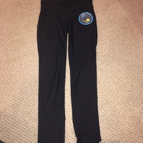 super specials deft design moderate price Xersion workout leggings NWT